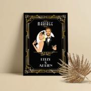 Faire-part de mariage chic et élégant - thème rétro Gatsby -années 20 chic noir bleu foncé et or doré. Style rétro chic avec ligne de programme du mariage avec des pictogrammes Portraits dessin d'après vos photos, caricature ou avatar - Invitation pour mariage original Une création par Pamela Gonzalez pour le Studio Postscriptum