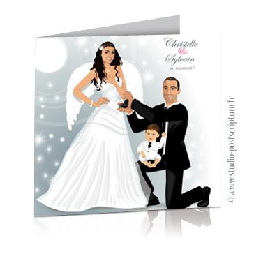 Faire-part de mariage original avec enfant – dessin d'après photos. Couple de mariés avec bébé enfant sur les genoux – thème ange et plume Annonce du mariage faite par un enfant