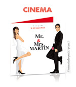 Faire-part de mariage original romantique cinéma Couple de marié sur fond d'affiche cinéma Mr & Mrs Smith cinéma chic et drôle originaux