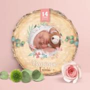 Faire-part de naissance original rose et mint – papier cartonné découpé en forme de rondelle de bois avec les photos de votre bébé fille ou bébé garçon - modèle avec couronne de fleurs bohème rose tendre, poudré pastel et mint - style champêtre chic, campagne rustique. Création : studio postscriptum