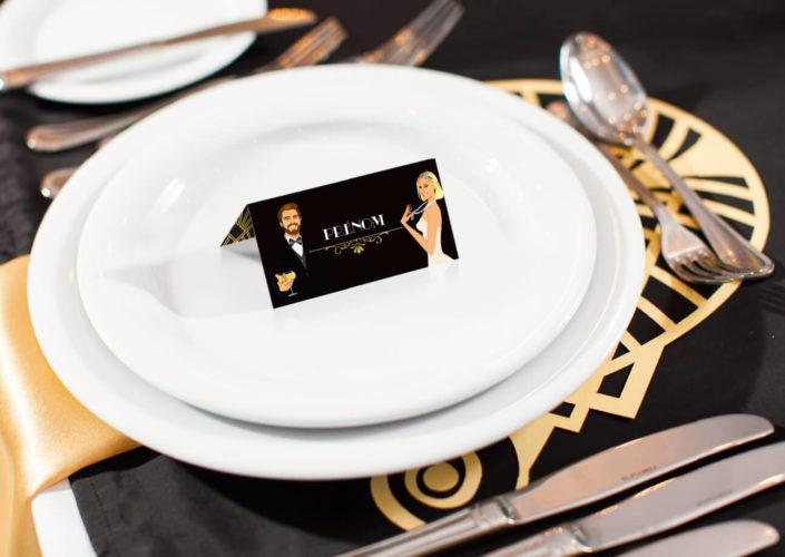 mariage Gatsby original vintage et rétro chic noir et or - marque-place nominette . Chic des années folles – Charleston années 20 - dessin caricature d'après photo