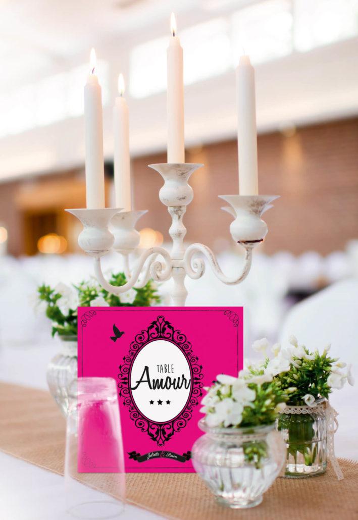 mariage original carte non de table thème baroque noir blanc et fuschia avec lustres et voluptes. chic vintage rétro et romantique.